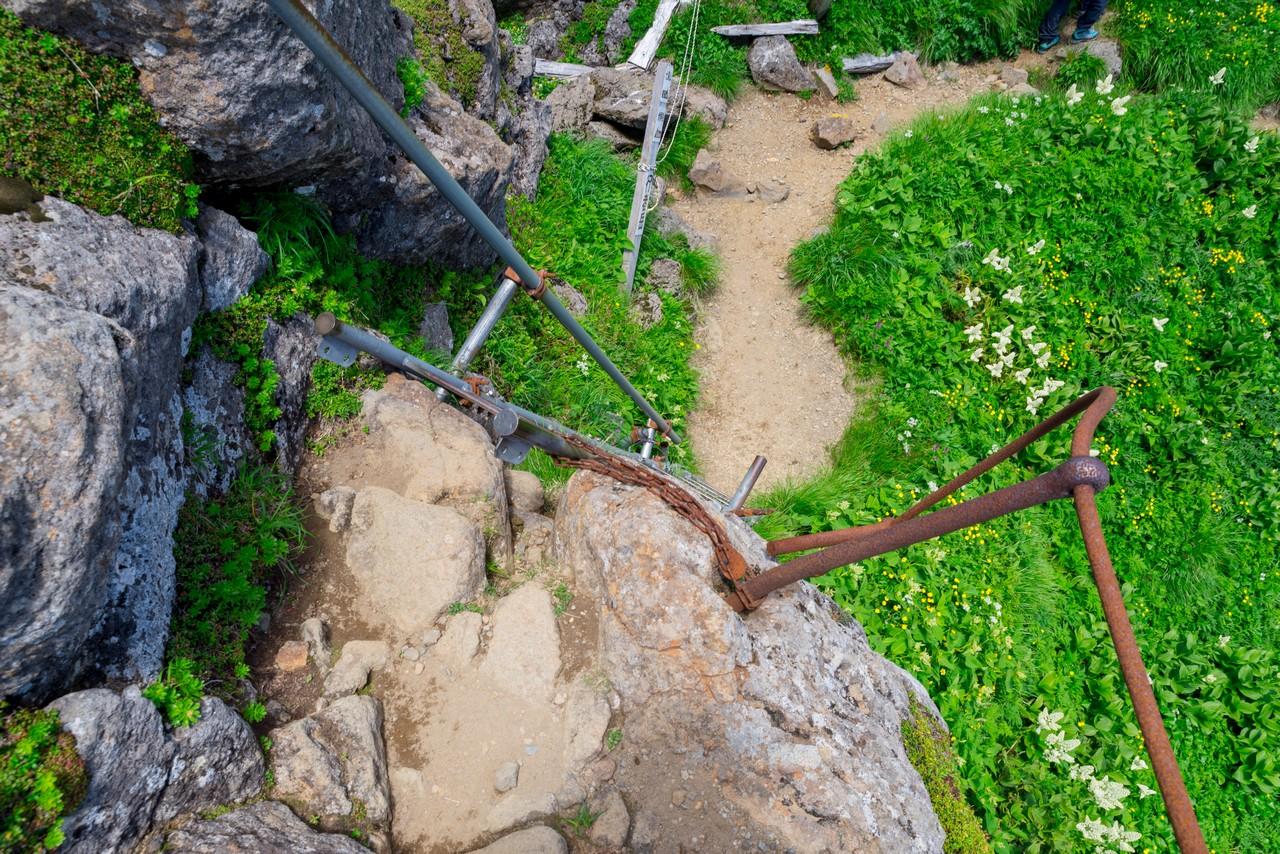 鳥海山 外輪山のハシゴ