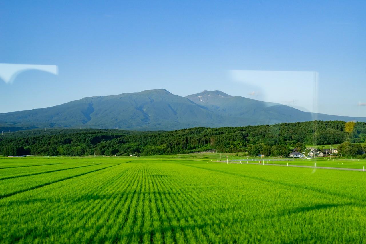 遊佐駅付近から見た鳥海山