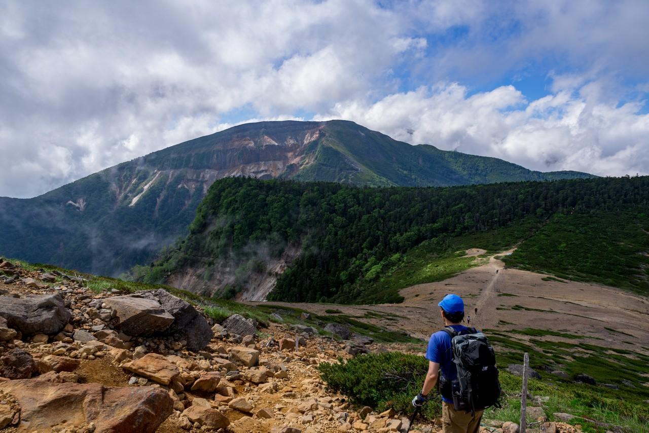 根石岳から見た硫黄岳