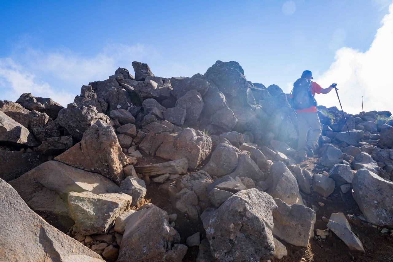根石岳の山頂