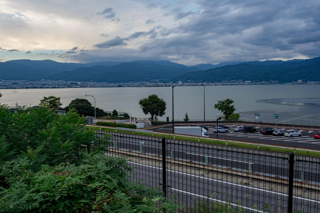 中央道訪湖サービスエリアから見た諏訪湖