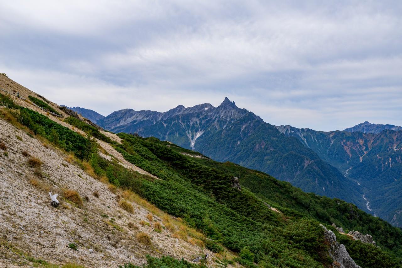 燕山荘から見た槍ヶ岳