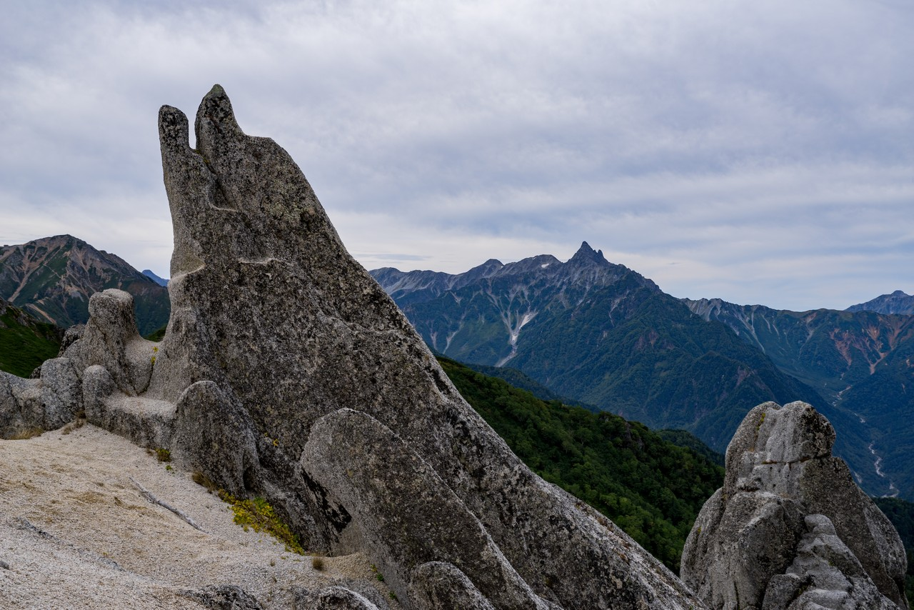 燕岳 イルカ岩