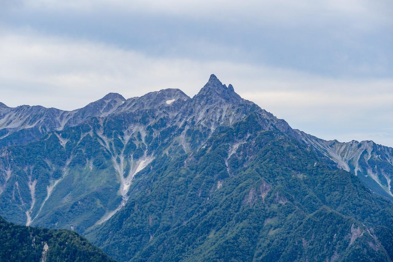 燕岳から見た槍ヶ岳