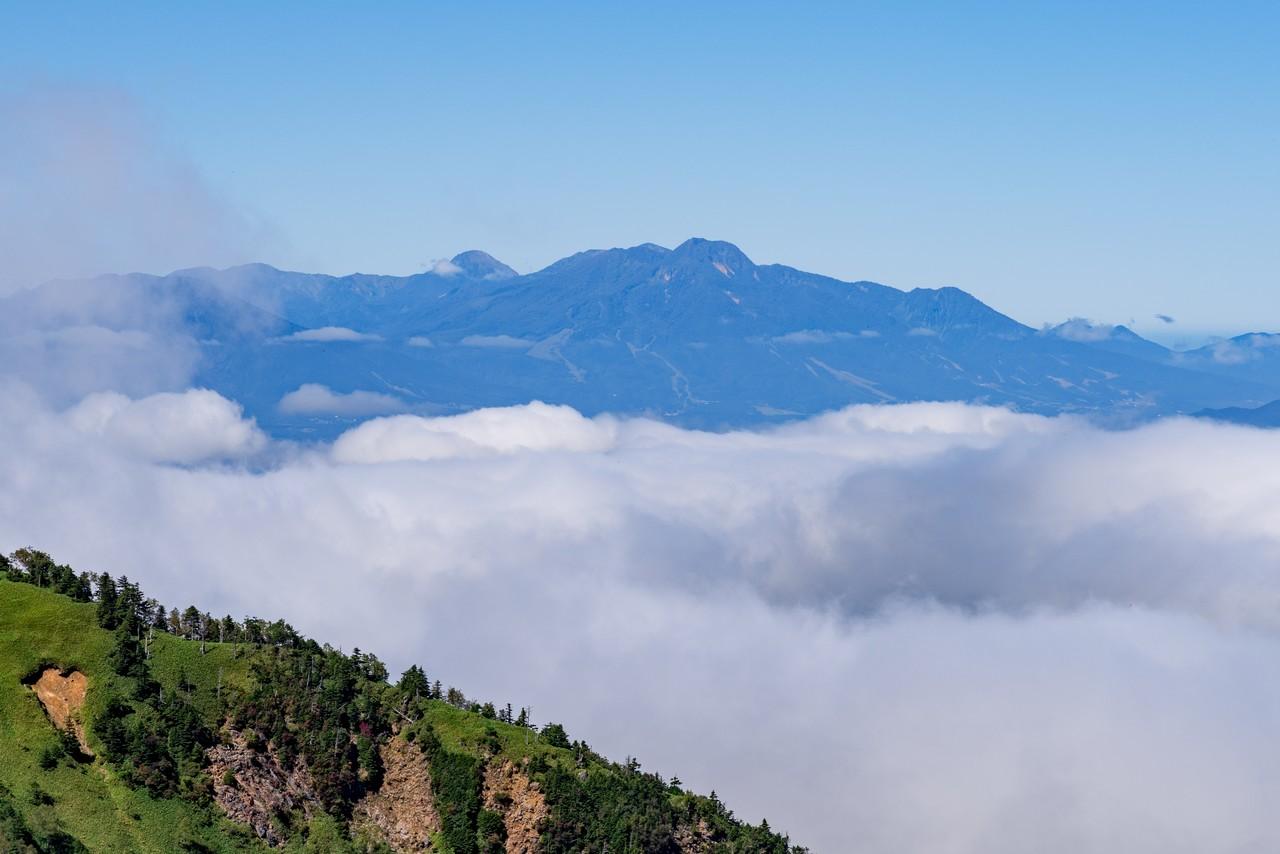 破風岳から見た妙高山