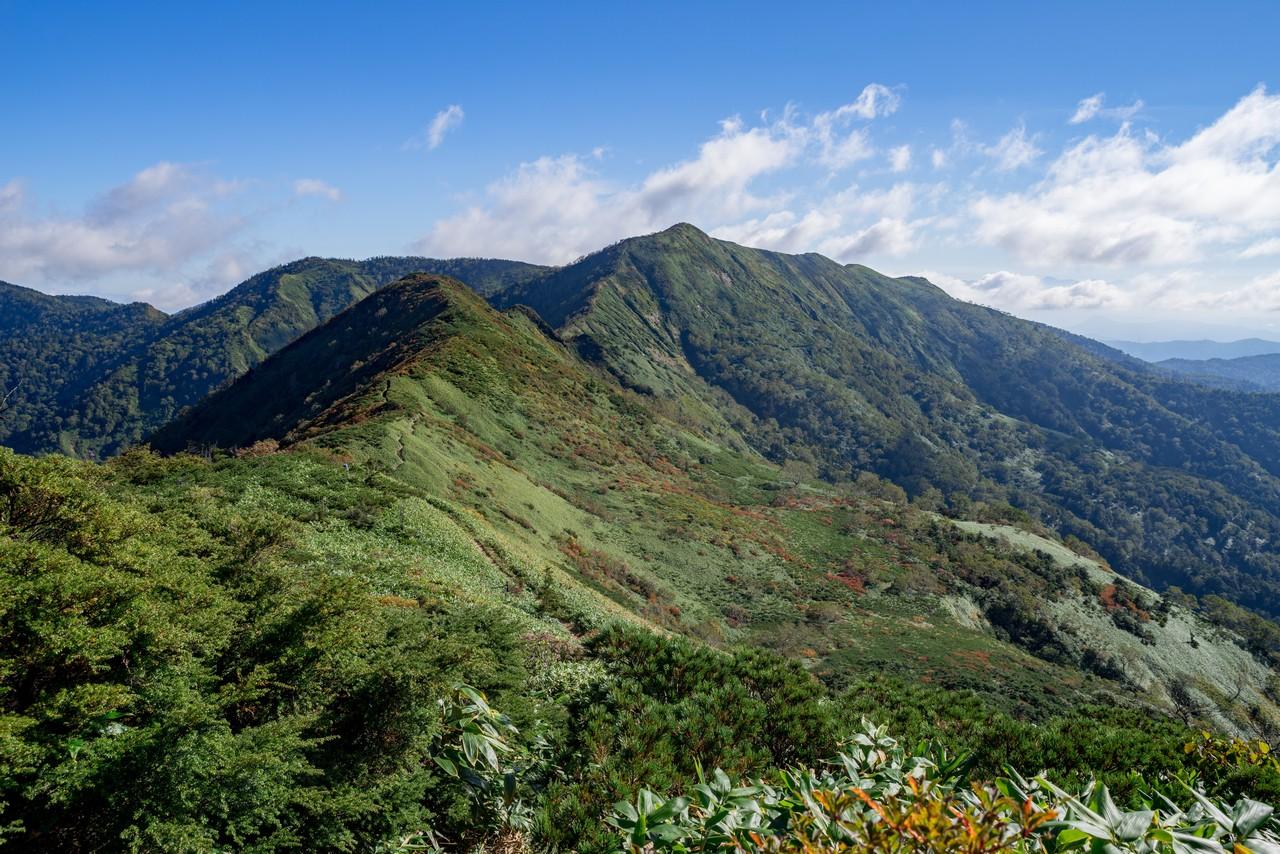 堂岩山付近から見た白砂山