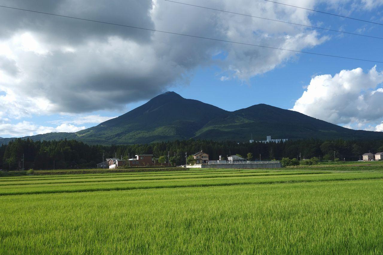 磐梯山の全景