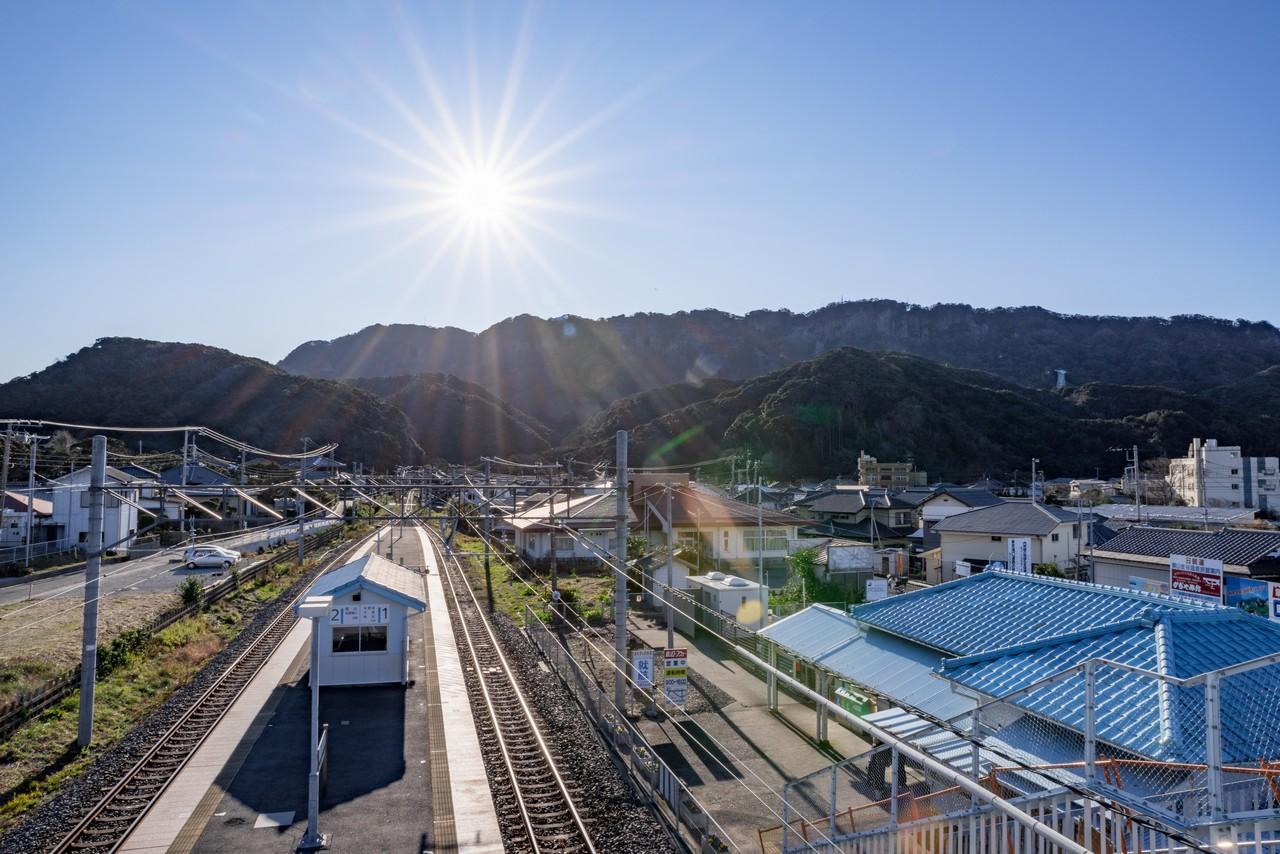浜金谷駅から見た鋸山