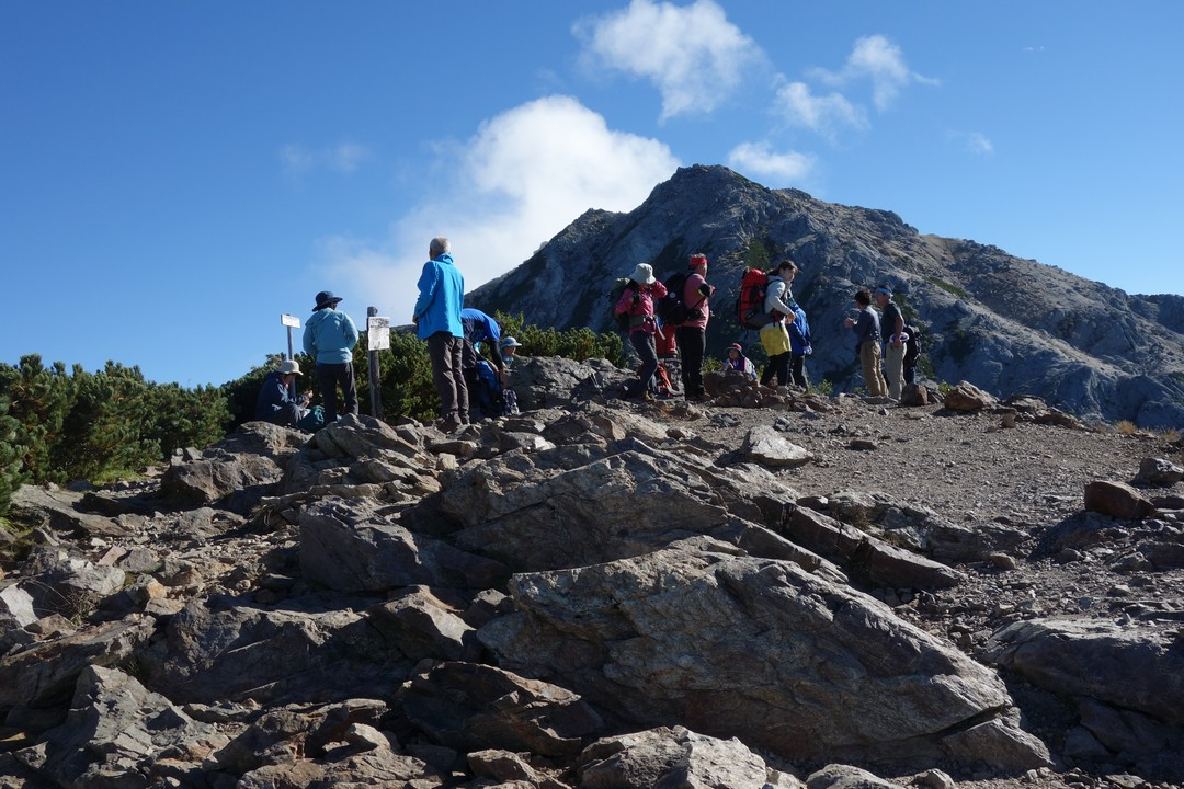 駒津峰山頂の様子
