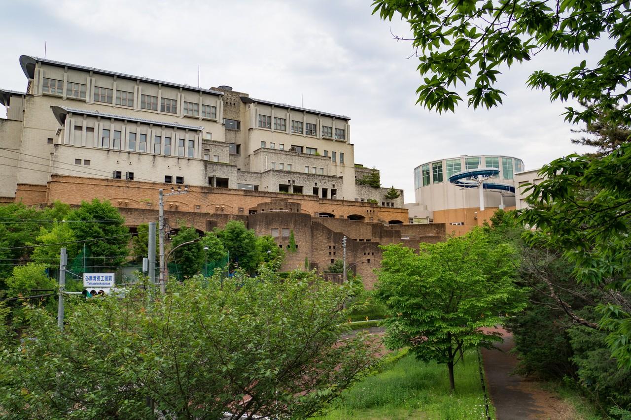 アクアブルー多摩の建物