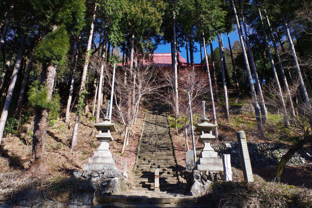 高山不動の石階段