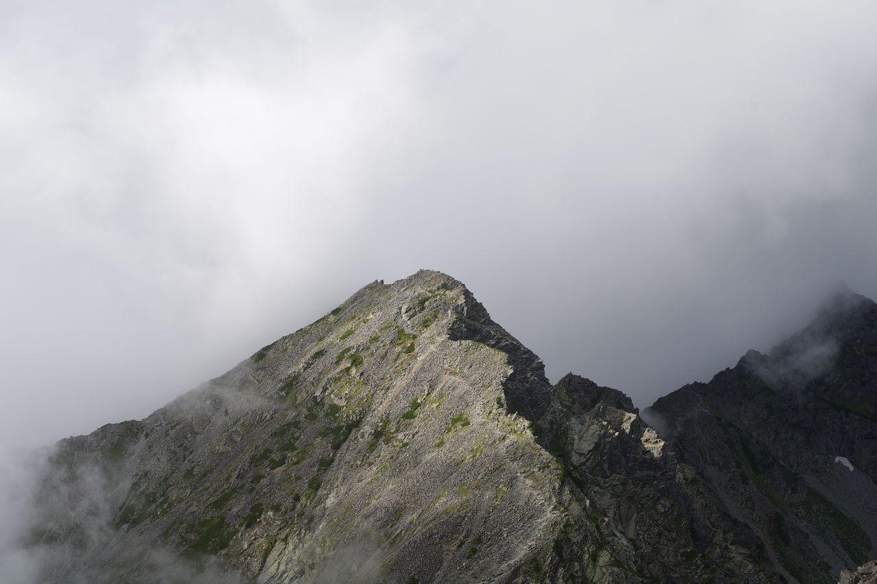 奥穂高岳から見た涸沢岳