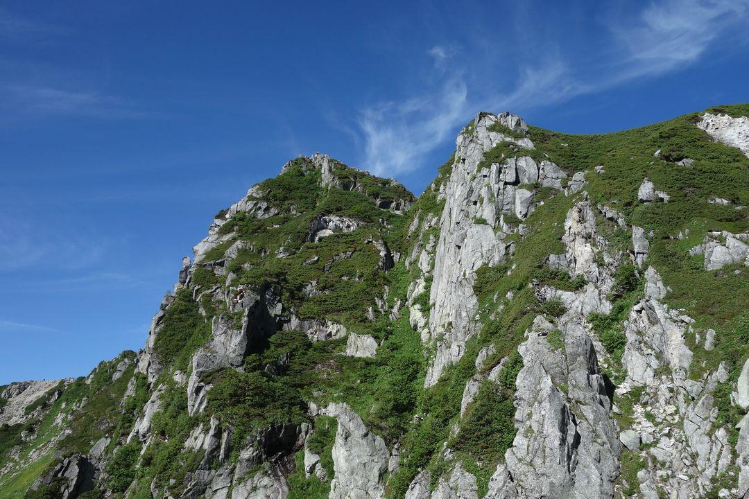 宝剣山の岩壁