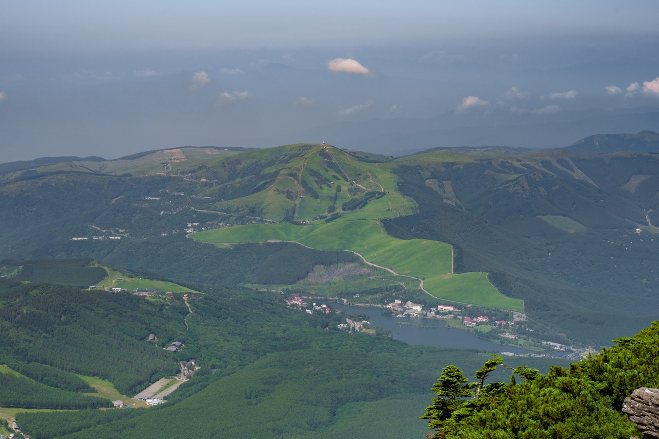 蓼科山から見た霧ケ峰