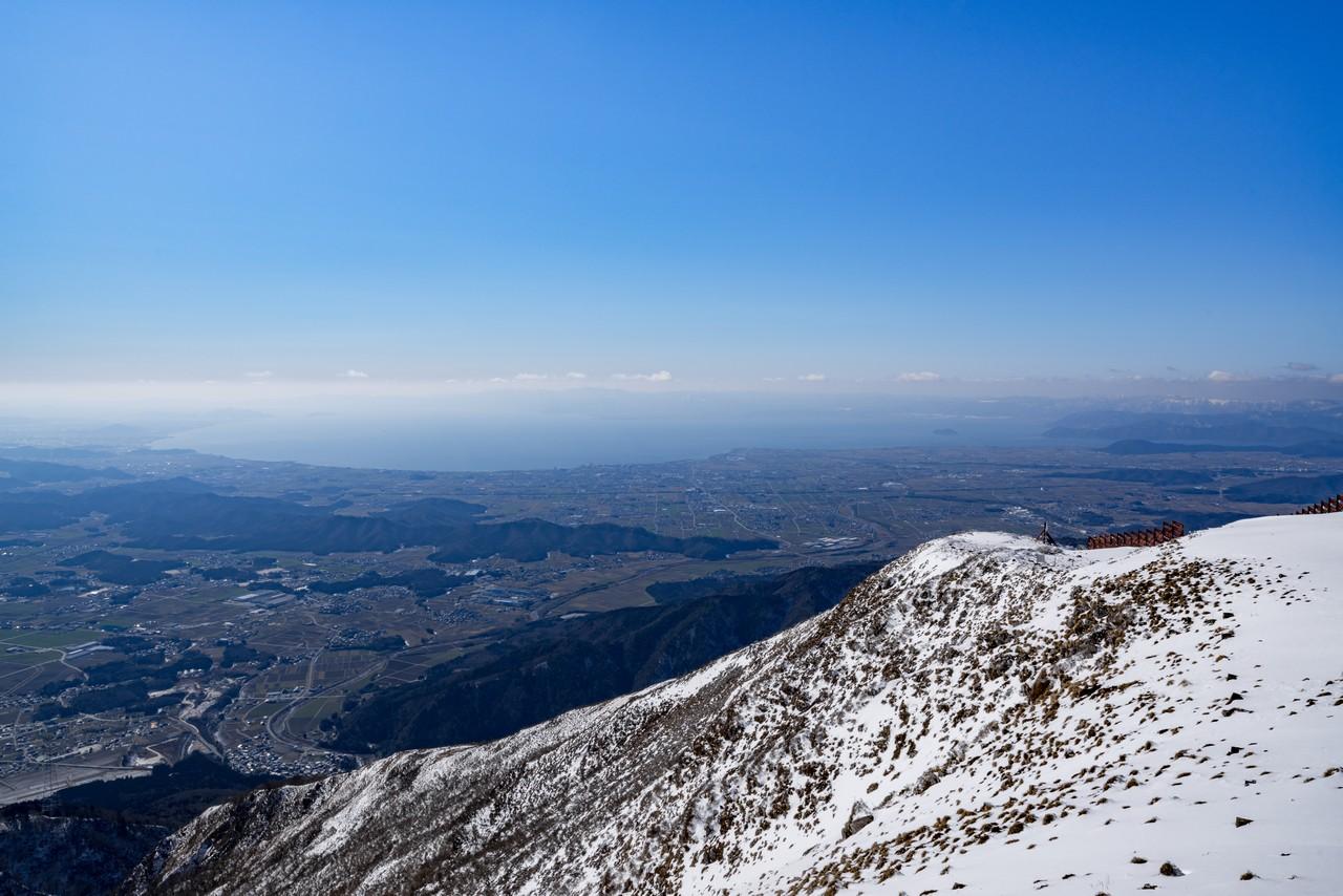 伊吹山から見た琵琶湖