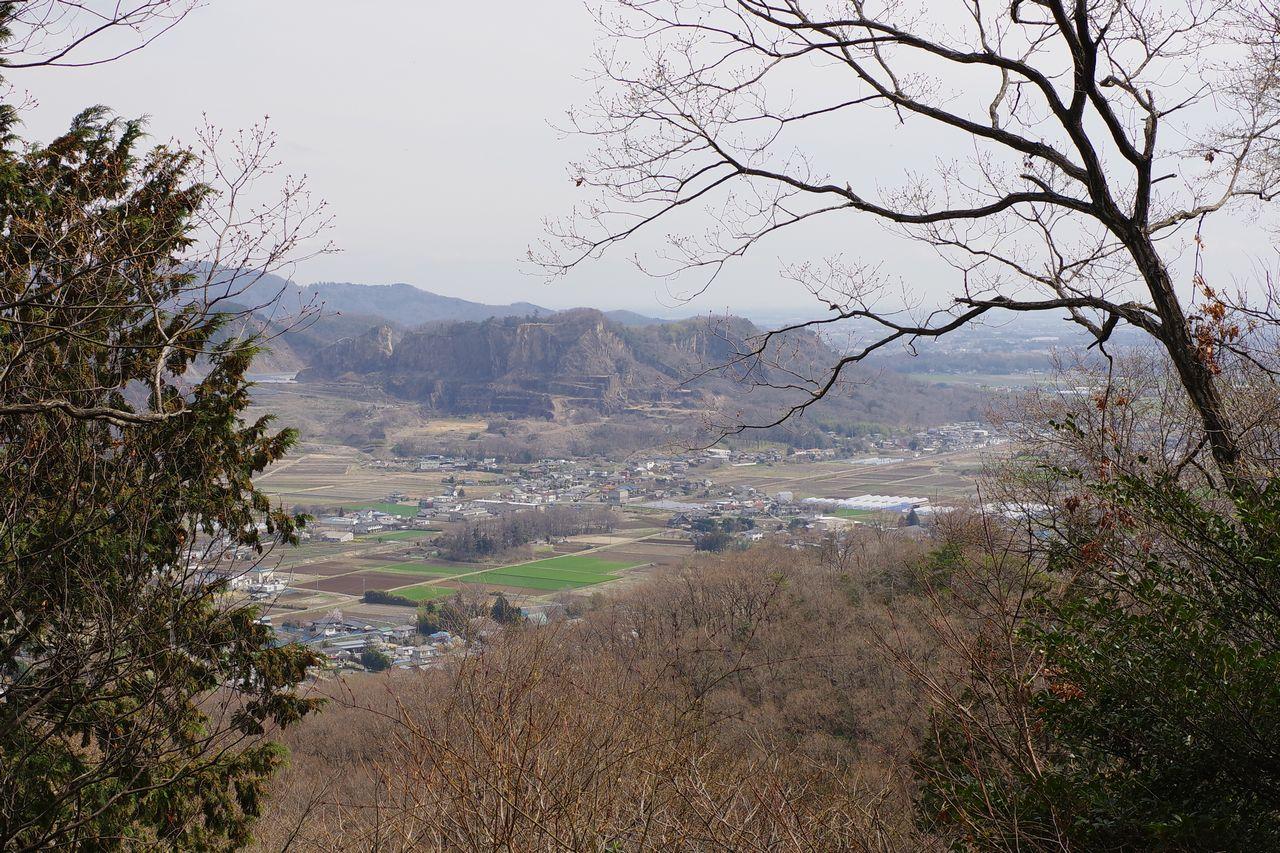 三毳山から見た岩舟山