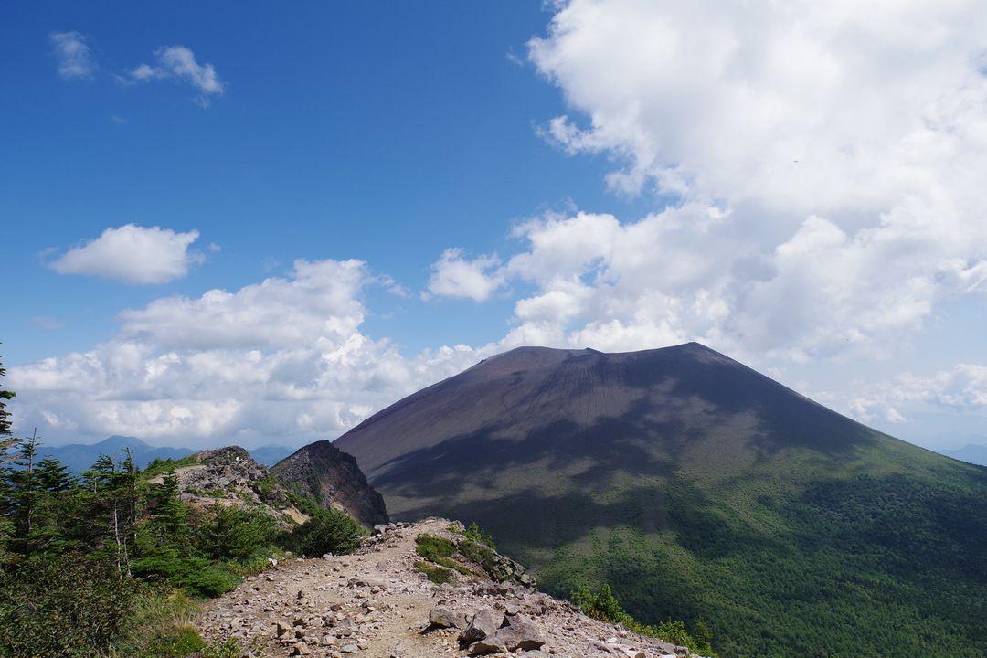 蛇骨岳から見た浅間山