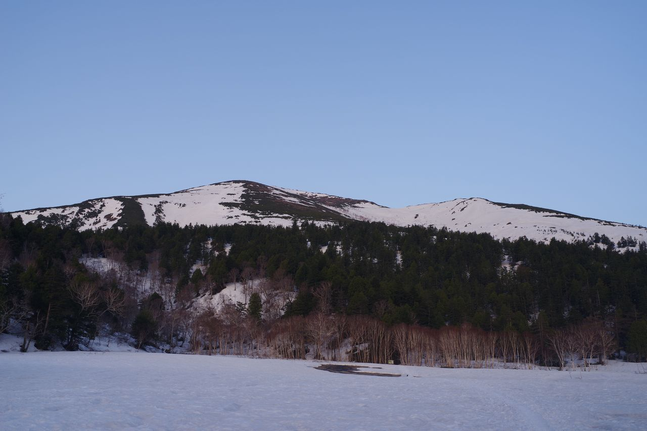 暁の至仏山