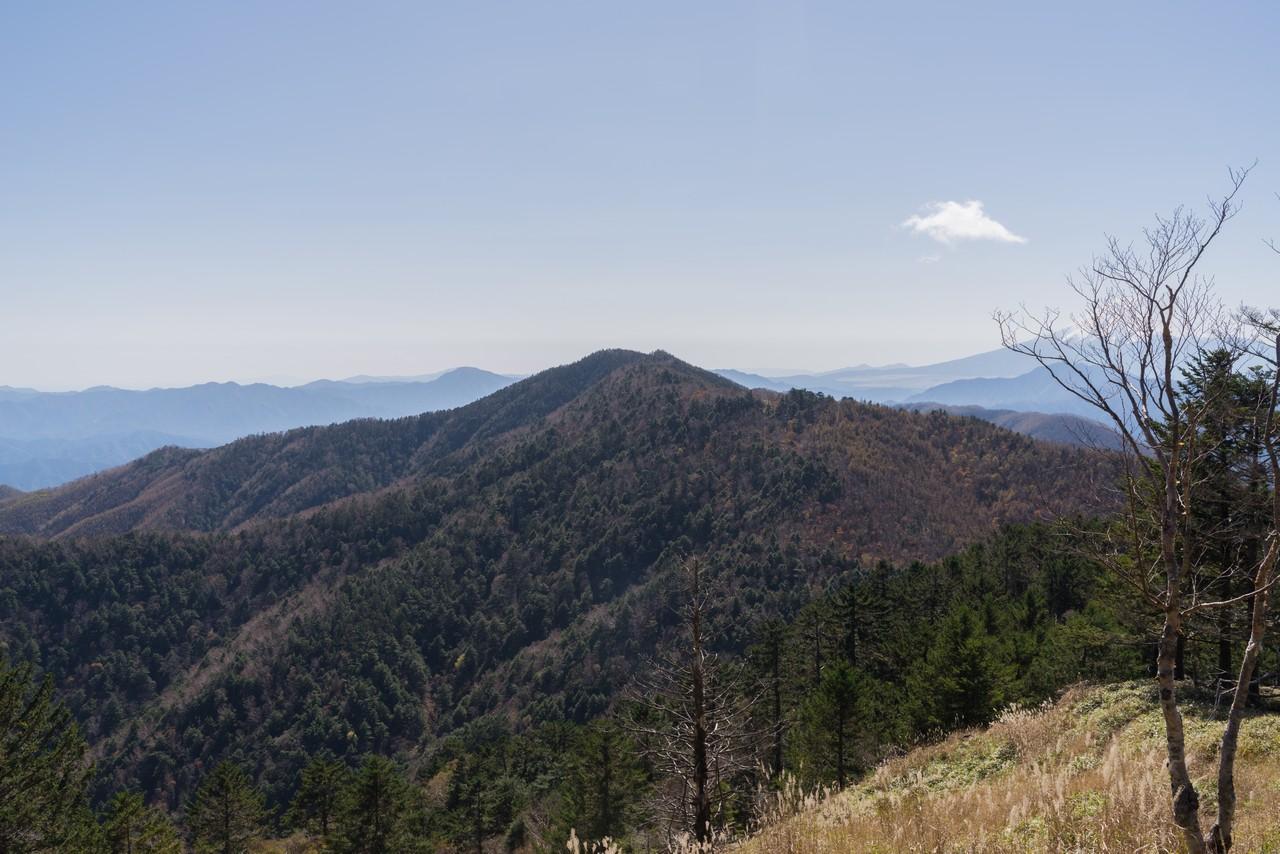 牛奥ノ雁ヶ腹摺山から見た黒岳