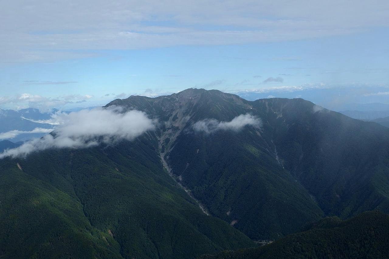 北岳から見た仙丈ケ岳