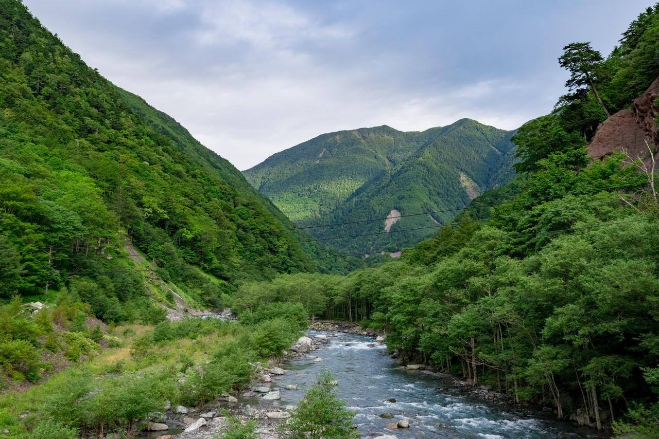 広河原から見たアサヨ峰