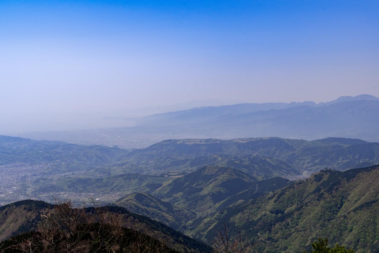大倉尾根 花立の階段から見た相模湾