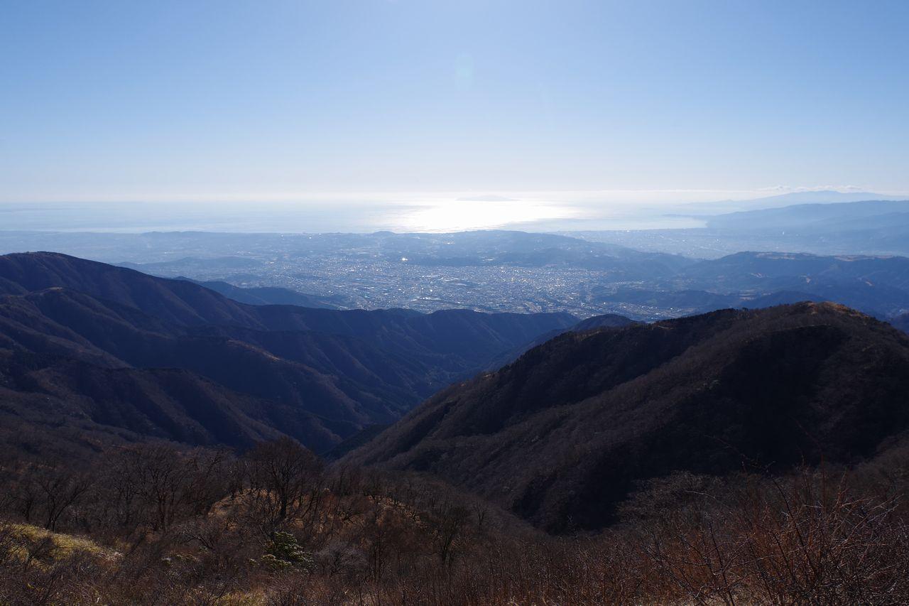 塔ノ岳山頂から見た相模湾