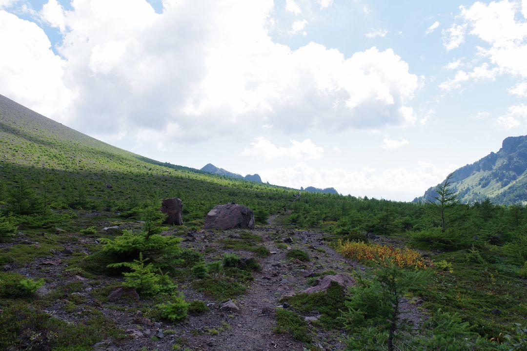 浅間山の火口原