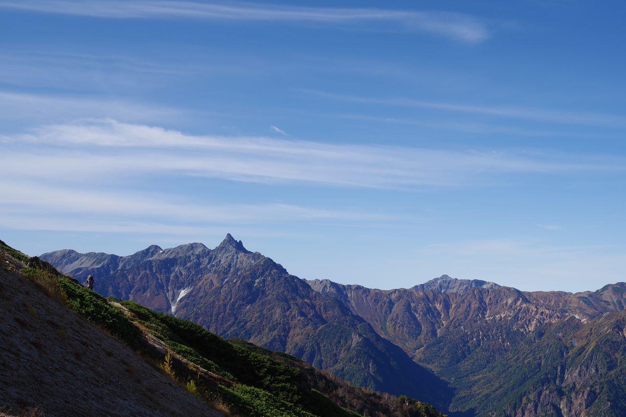 燕山荘前から見た槍ヶ岳