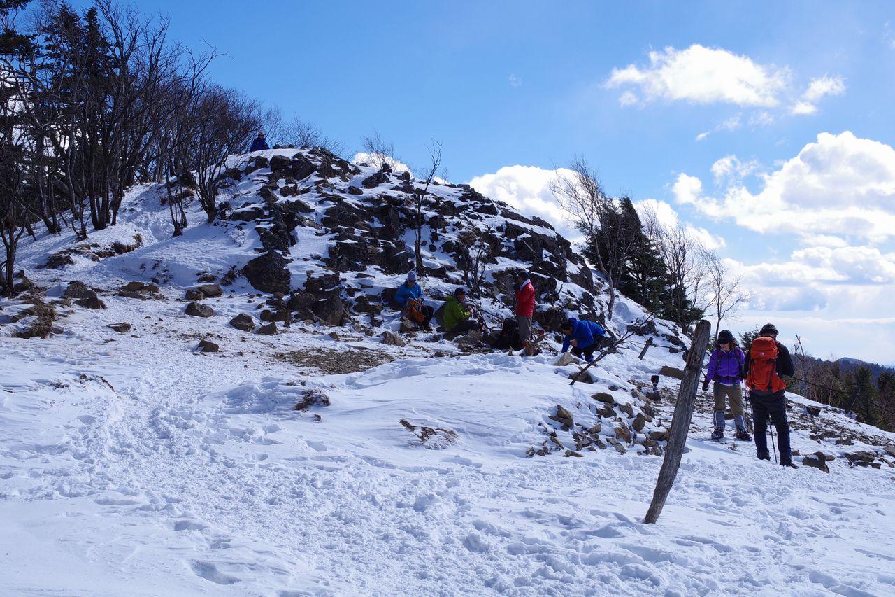 大菩薩嶺 冬の雷岩