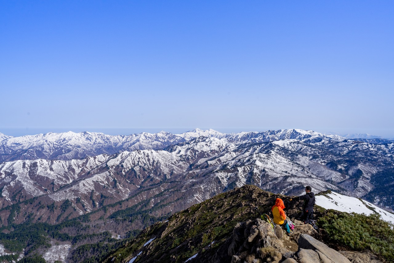 至仏山から見た新潟方向の展望