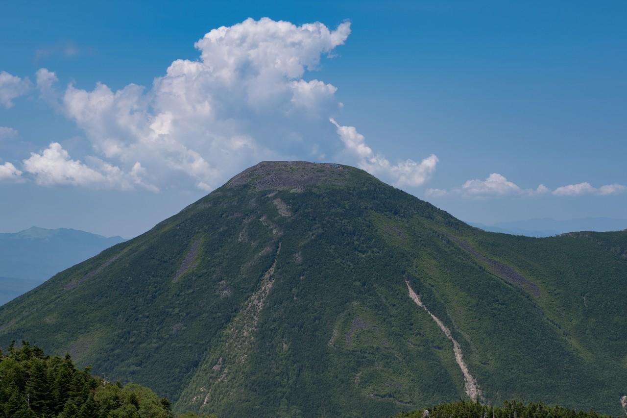 蓼科山の山頂部