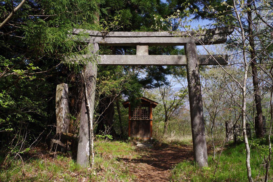 鳴虫山 天王山神社