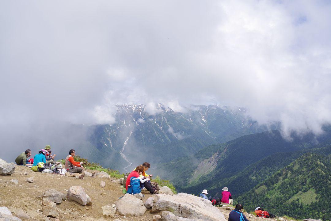 焼岳山頂の様子