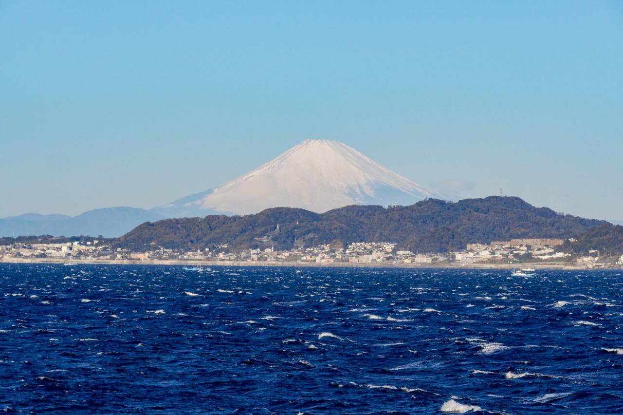 東京湾フェリーから見た富士山