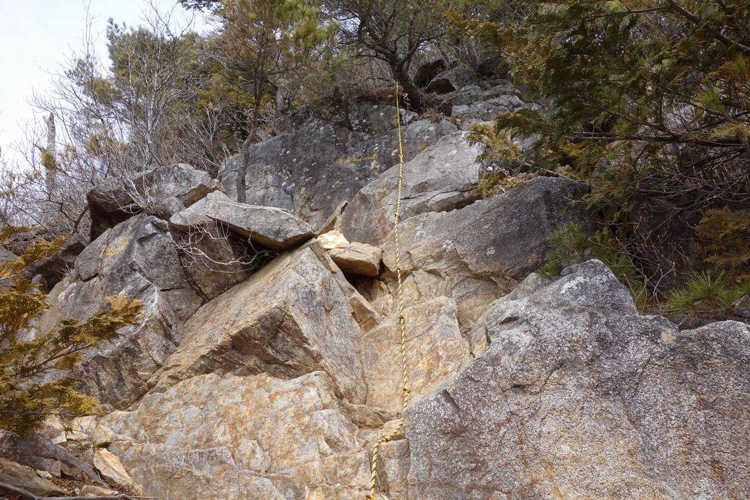 釈迦ヶ岳のロープ場