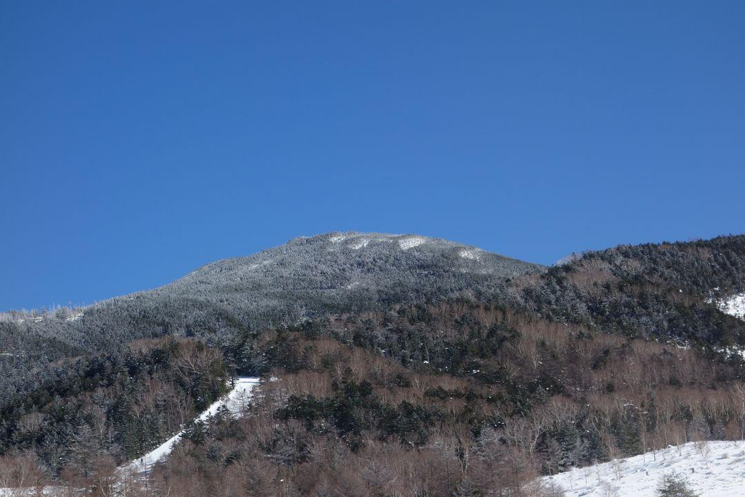 北八ヶ岳ロープウェイから見た縞枯山