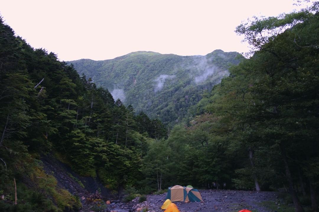 北沢峠 長衛小屋のテント場