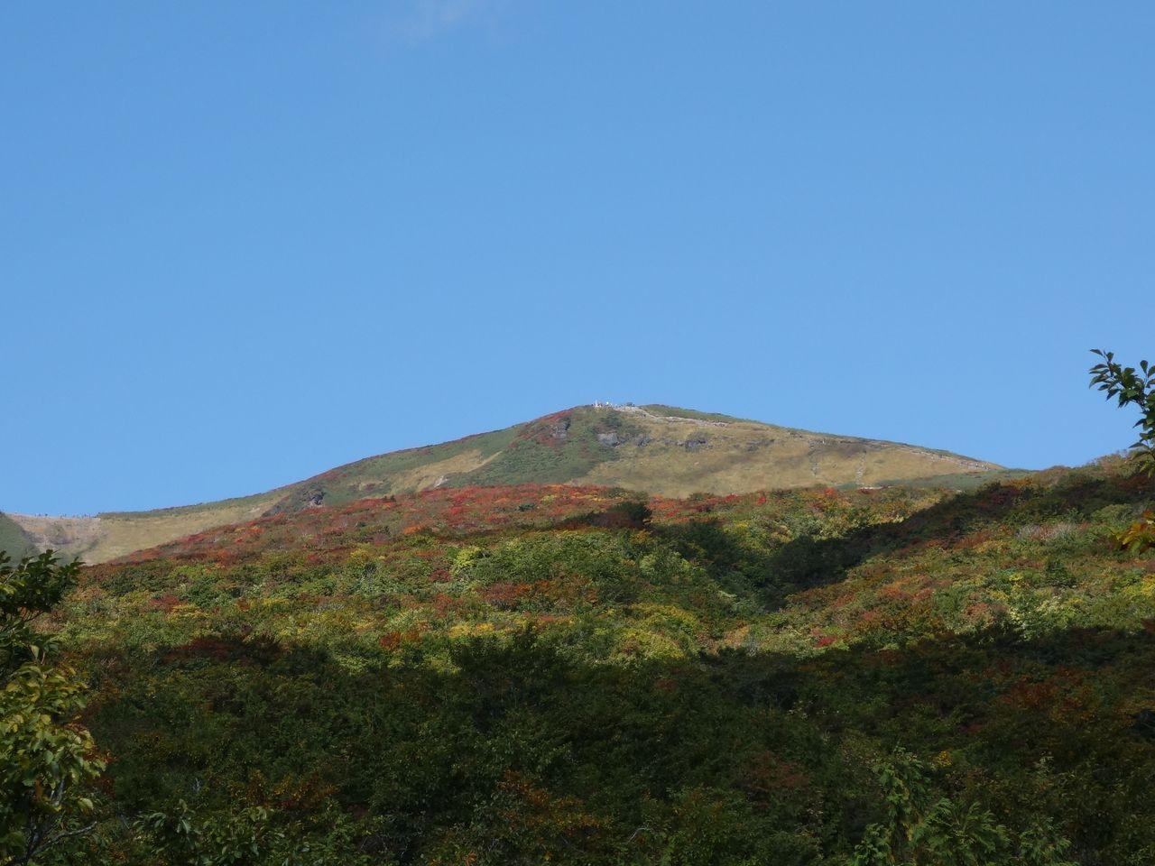 イワカガミ平から見た栗駒山