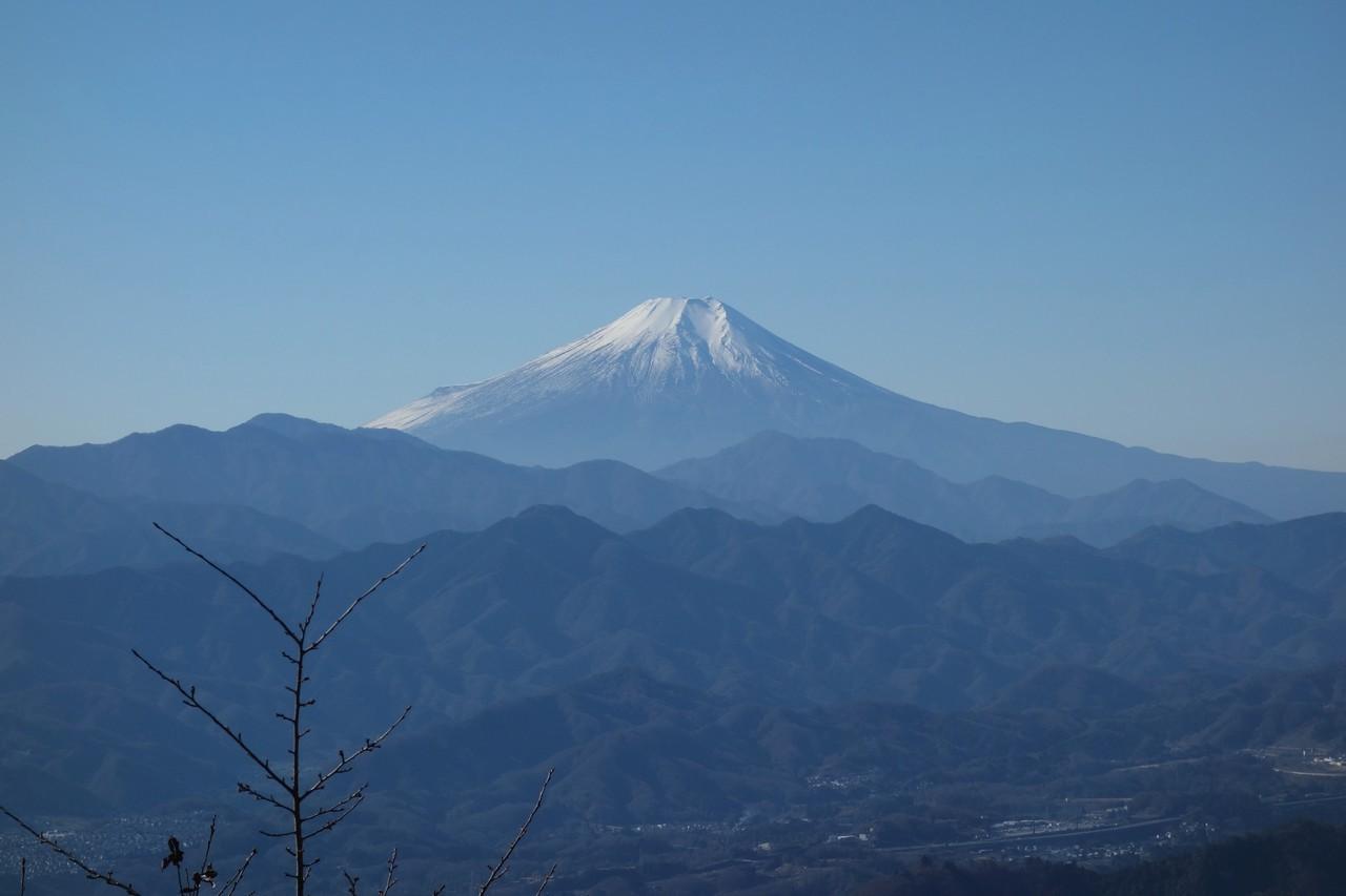 軍刀利神社から見た富士山