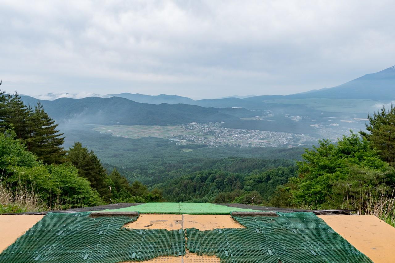 杓子山のグライダー発着場