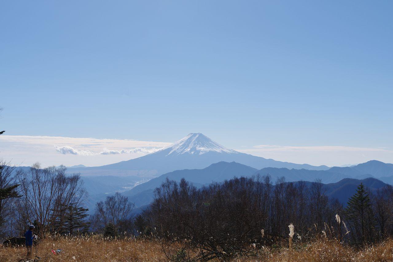 雁ヶ腹擦山から見た富士山