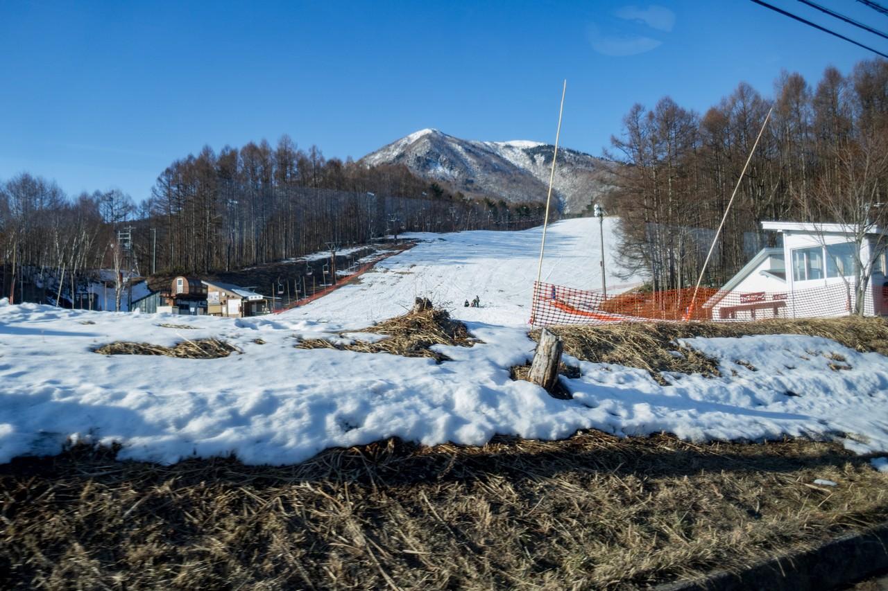 飯縄スキー場跡から見た飯縄山