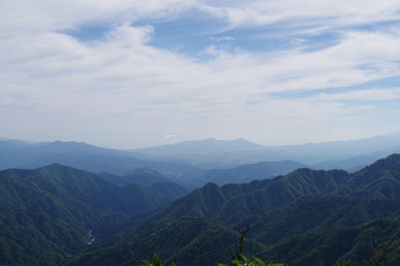 丹沢主脈から見た愛鷹山