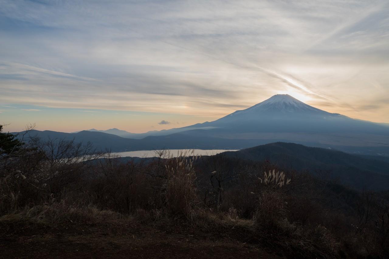 石割山から見た黄昏時の富士山
