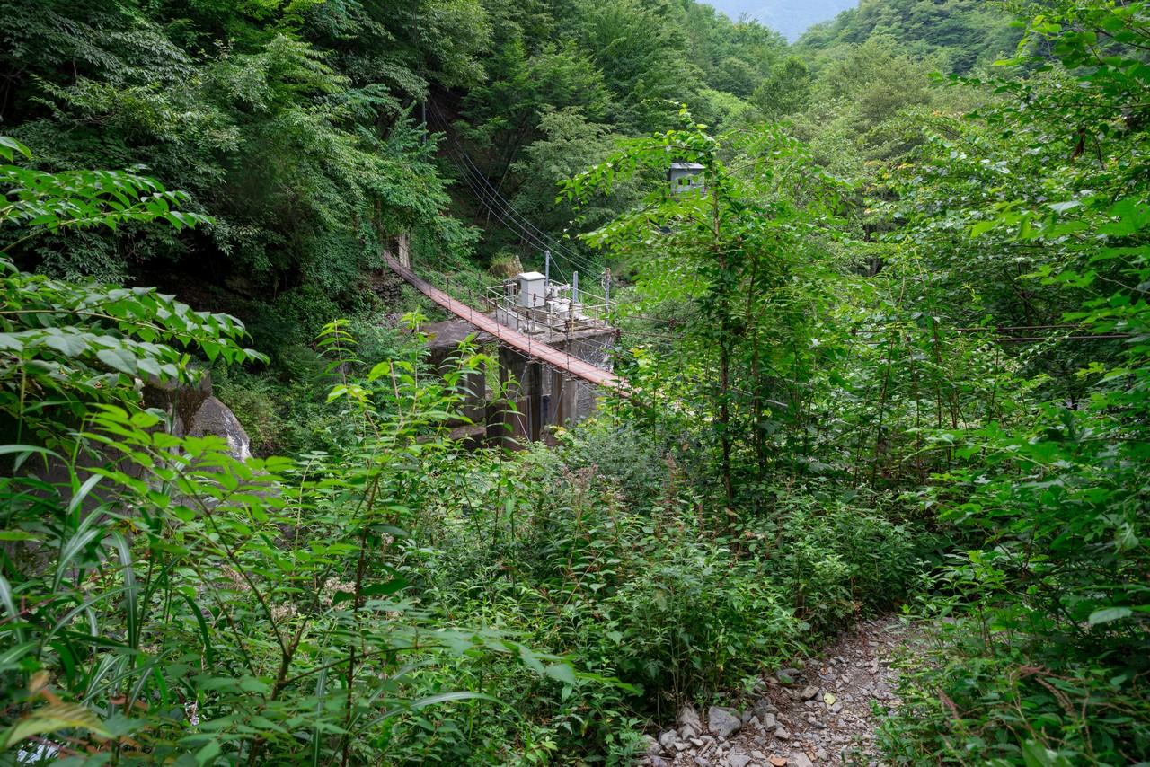 大門沢コースの吊り橋