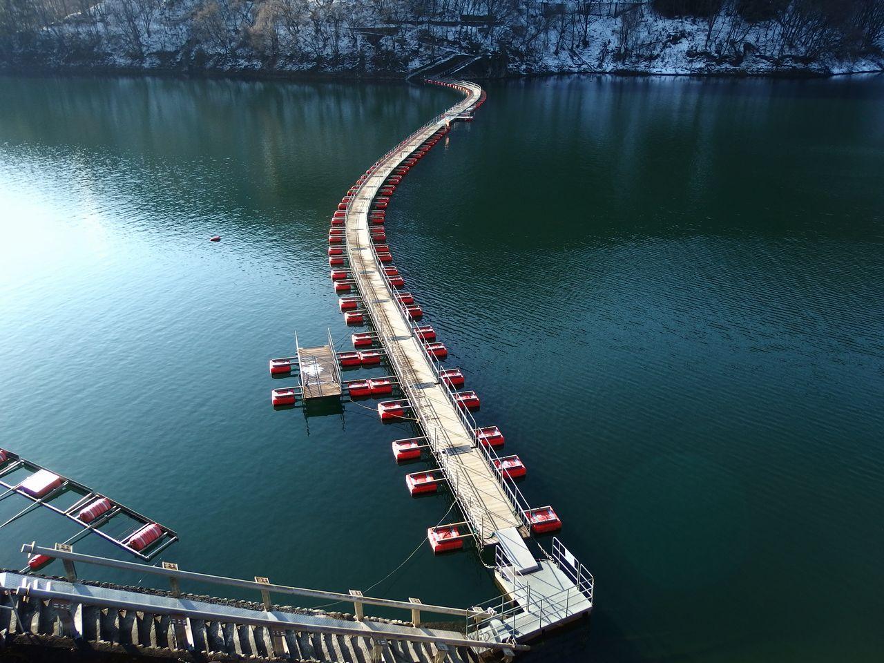 奥多摩湖 麦山の浮き橋