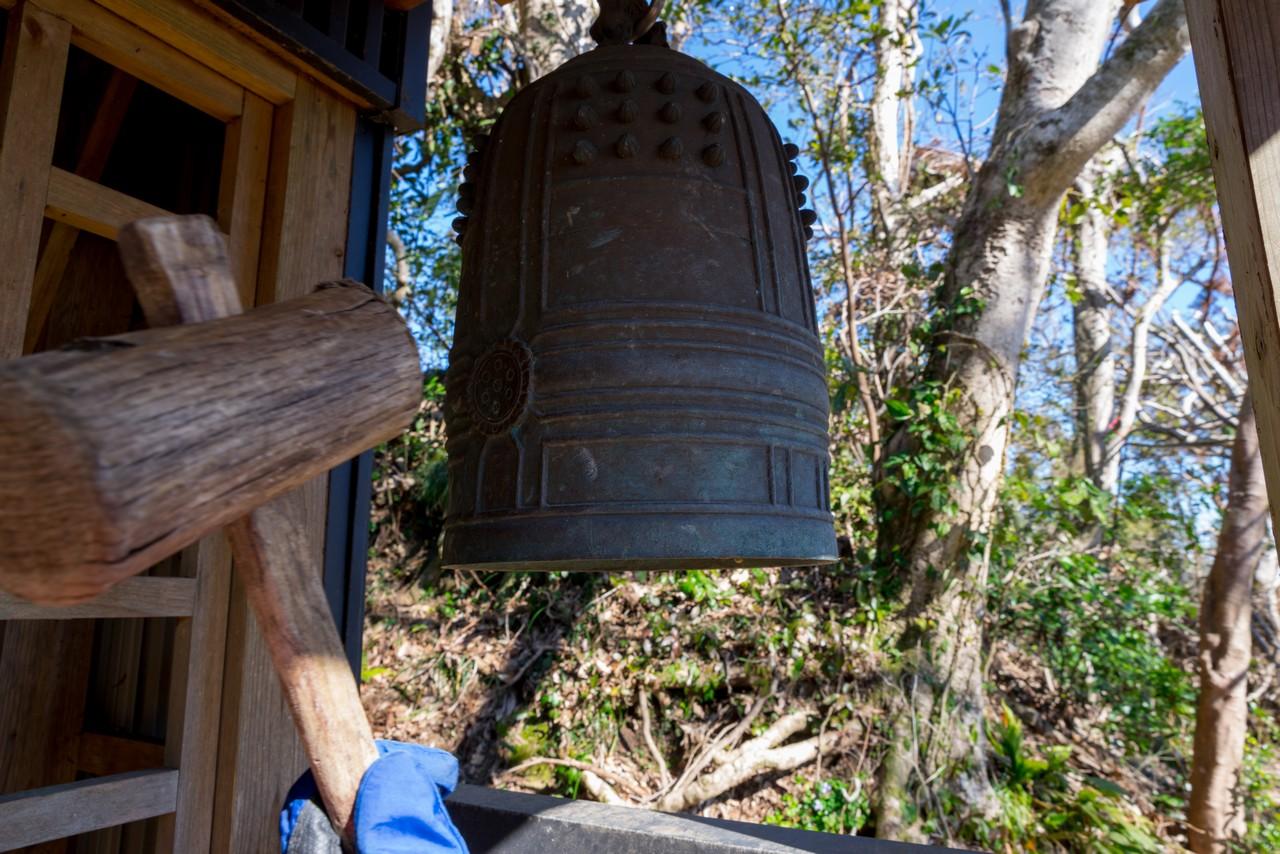 富山山頂の鐘