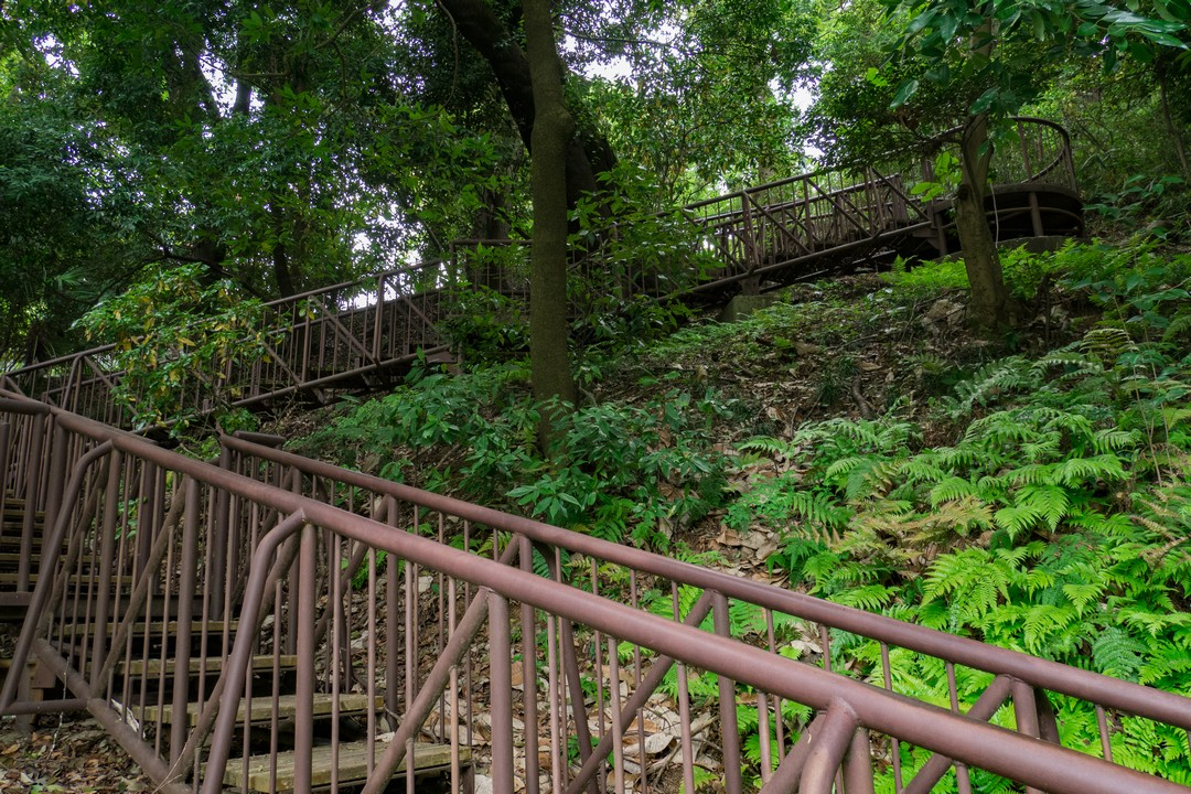 一本杉公園の鉄階段
