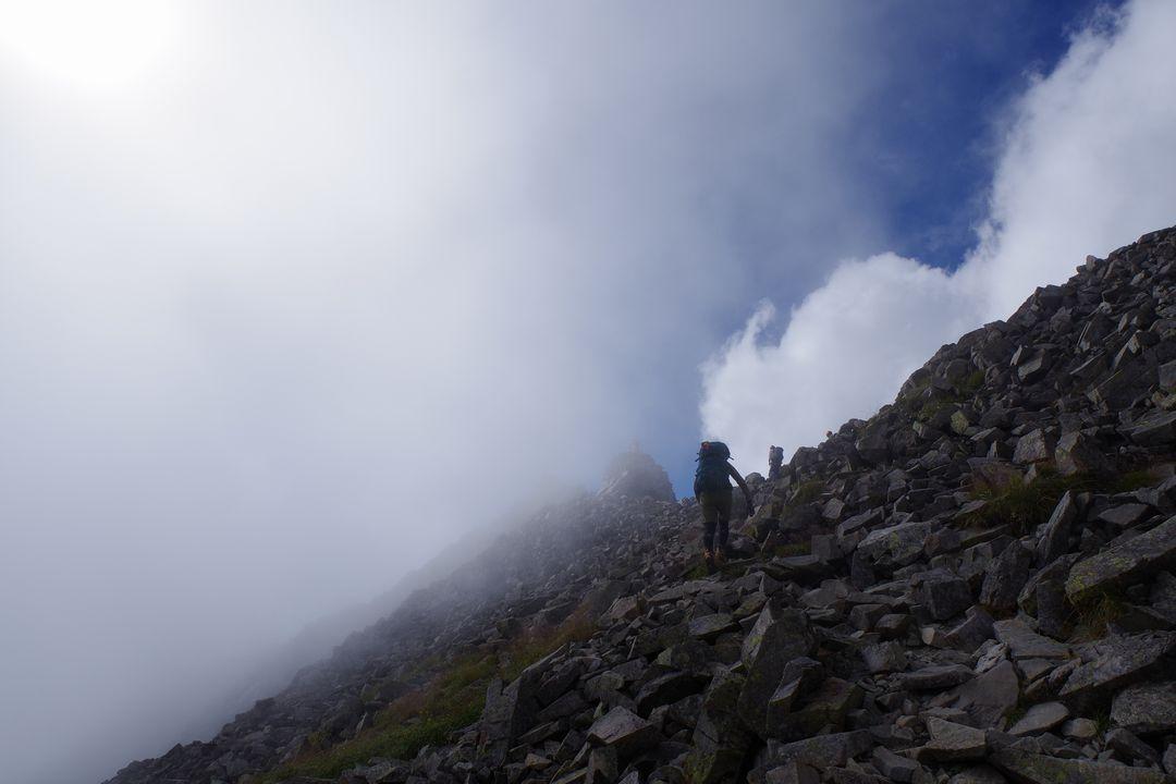 奥穂高岳の山頂直下